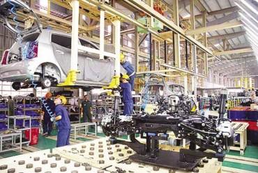 Chỉ số sản xuất công nghiệp giảm, giá trị xuất khẩu tăng