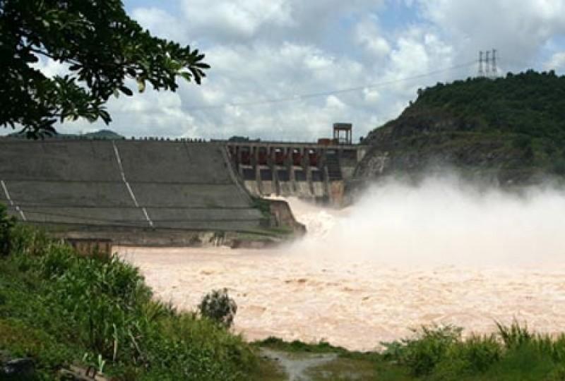 Chủ động ứng phó và hạn chế thiệt hại khi xả lũ hồ Hòa Bình