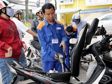 Giá xăng tăng thêm gần 400 đồng/lít