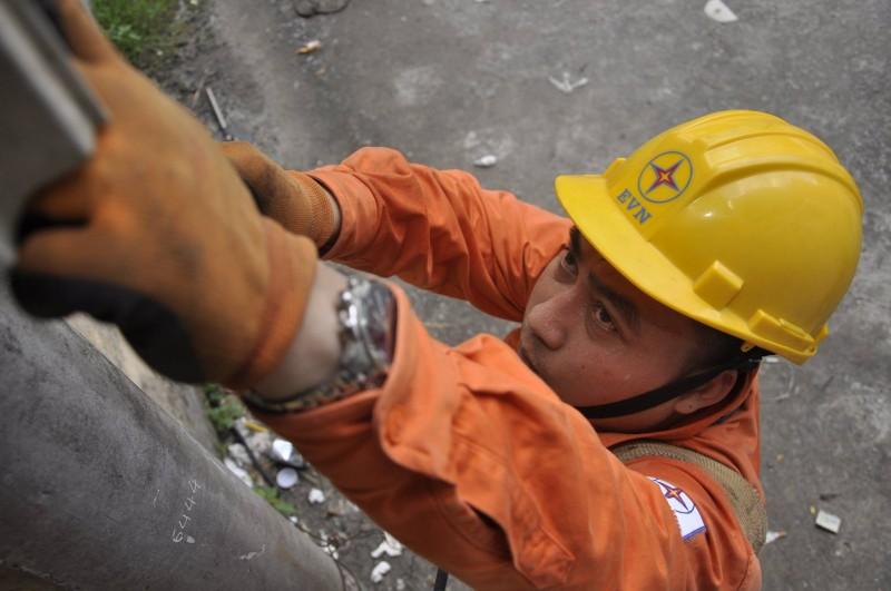 Lưới điện Hà Nội vẫn 'kiên cường' trong những ngày nắng nóng