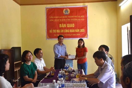 Đoàn viên Công ty Nam Hồng vui mừng đón nhận Mái ấm công đoàn