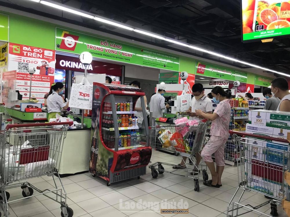 Hà Nội: Hàng hóa dồi dào, không có hiện tượng người dân đổ xô tích trữ thực phẩm