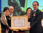 Người đưa thuốc Việt ra thị trường thế giới