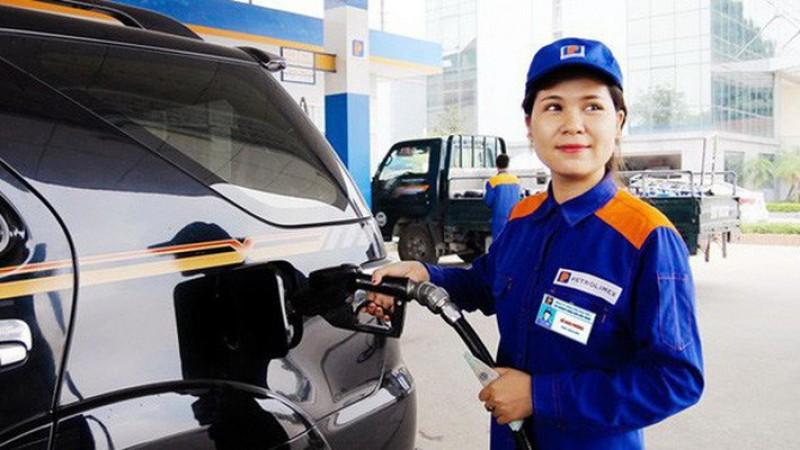 Giá xăng đồng loạt tăng lên 300 đồng/lít