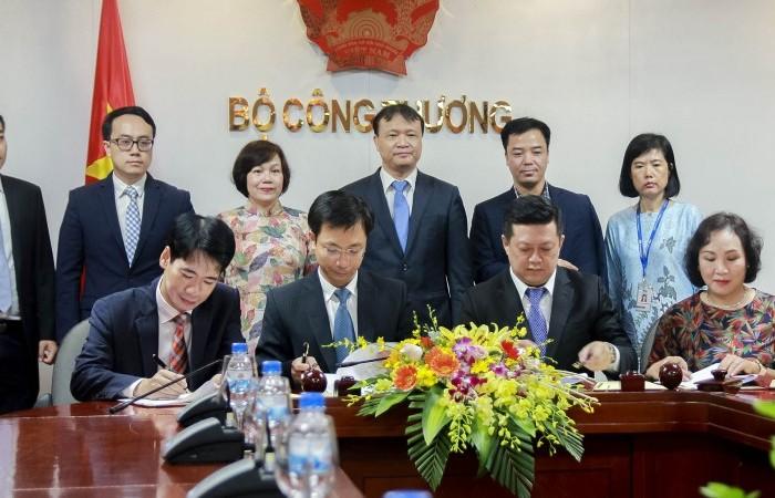 Bộ Công Thương ký kết Biên bản ghi nhớ hợp tác với Mega Maket Việt Nam