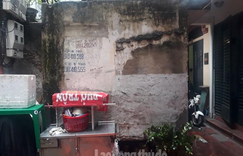 Người dân bức xúc vì công trình xây dựng trên mặt bể nước được cấp sổ đỏ