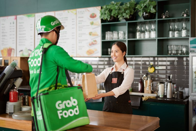 grabfood giup khach hang co the dat 4 don hang cung luc