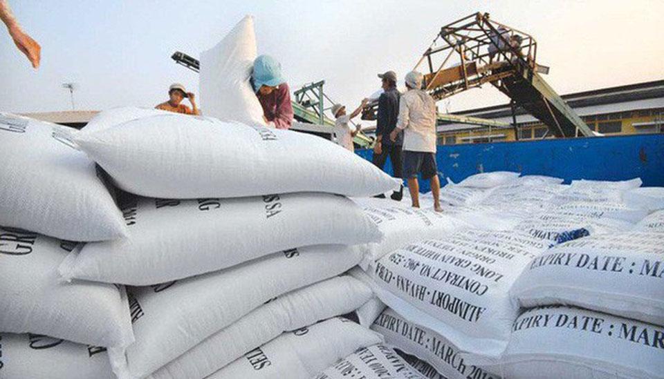 Xuất khẩu gạo gặp khó do Tân Cảng Hiệp Phước tạm ngừng dịch vụ đóng rút gạo