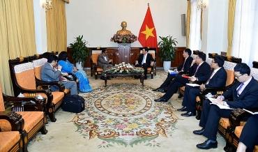 Phó Thủ tướng Phạm Bình Minh tiếp Bộ trưởng Ngoại giao Timor Leste và Thứ trưởng Băng - La - Đet