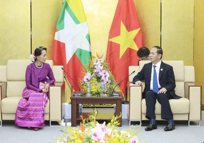 Chủ tịch nước Trần Đại Quang tiếp Cố vấn Nhà nước Mi-an-ma