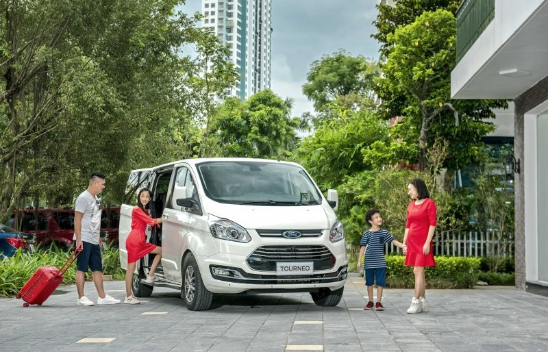 Ford Tourneo mới 7 chỗ chính thức ra mắt thị trường Việt Nam