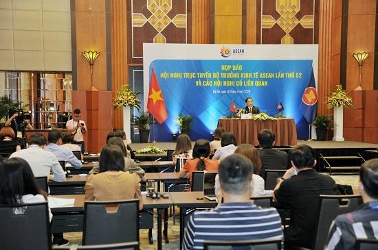 Hội nghị AEM 52 hoàn tất thực hiện 2 sáng kiến thúc đẩy phát triển kinh tế ASEAN