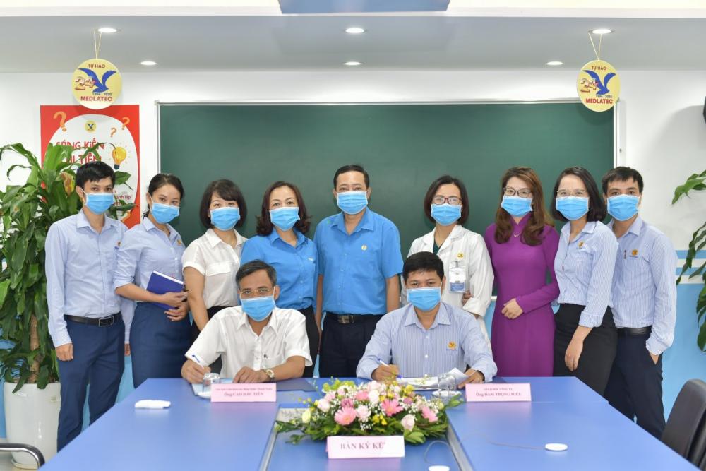 Liên đoàn Lao động quận Thanh Xuân ký kết hợp tác với phòng khám Medlatec