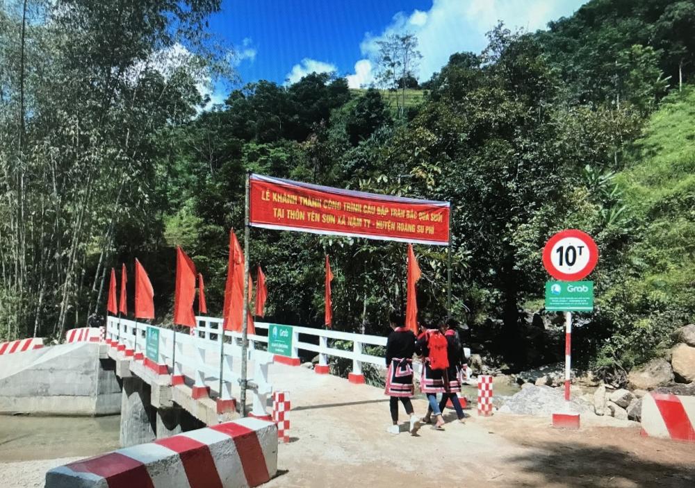 Khánh thành, bàn giao hai công trình cầu đập tràn tại Hà Giang