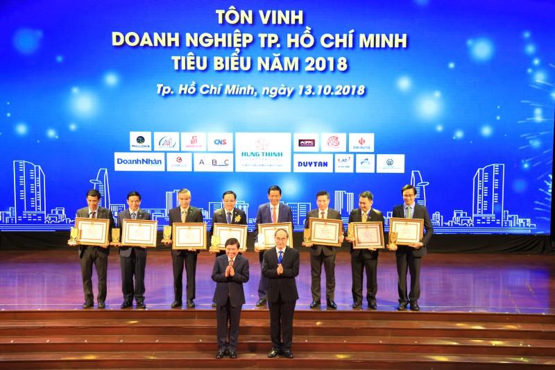 hoa binh vinh du top 10 doanh nghiep tphcm tieu bieu 2018