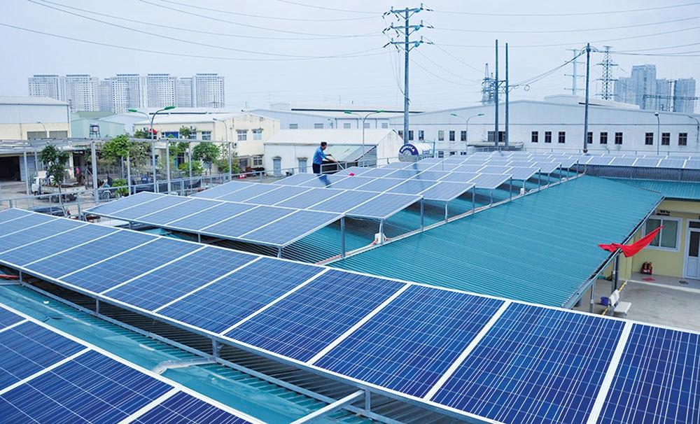 Bộ Công Thương rà soát, tổng hợp về phát triển điện mặt trời áp mái