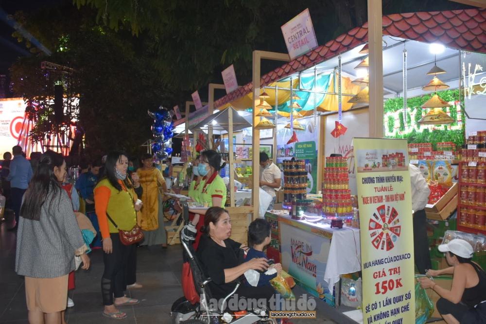 """Gần 100 gian hàng tham gia Tuần hàng """"Made in Vietnam – Tinh hoa Việt Nam"""""""