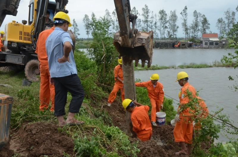EVN Việt Nam huy động toàn lực đối phó mưa lũ tại miền Trung