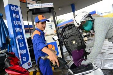 Giá xăng dầu giảm hơn 500 đồng/lít từ 15 giờ chiều nay