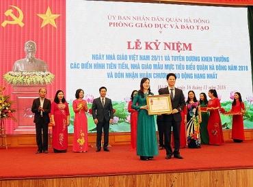Phòng GD&ĐT quận Hà Đông đón nhận Huân chương Lao động hạng Nhất