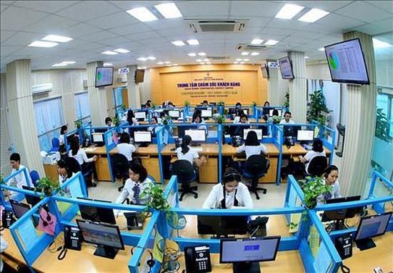 Trung tâm chăm sóc khách hàng giải đáp mọi thắc mắc về dịch vụ điện 24/7