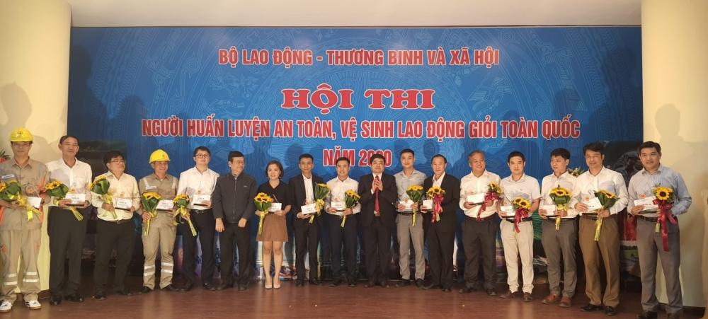 EVN Hà Nội giành giải A Người huấn luyện an toàn, vệ sinh lao động giỏi toàn quốc năm 2020