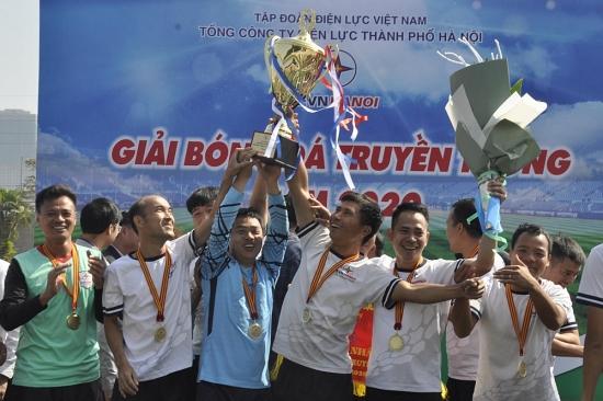 Giải bóng đá truyền thống EVNHANOI năm 2020: PC Thạch Thất xuất sắc lên ngôi vô địch
