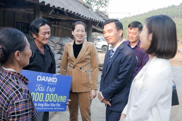 Danko Group trao tặng 50 triệu đồng cho hộ nghèo tại Thái Nguyên