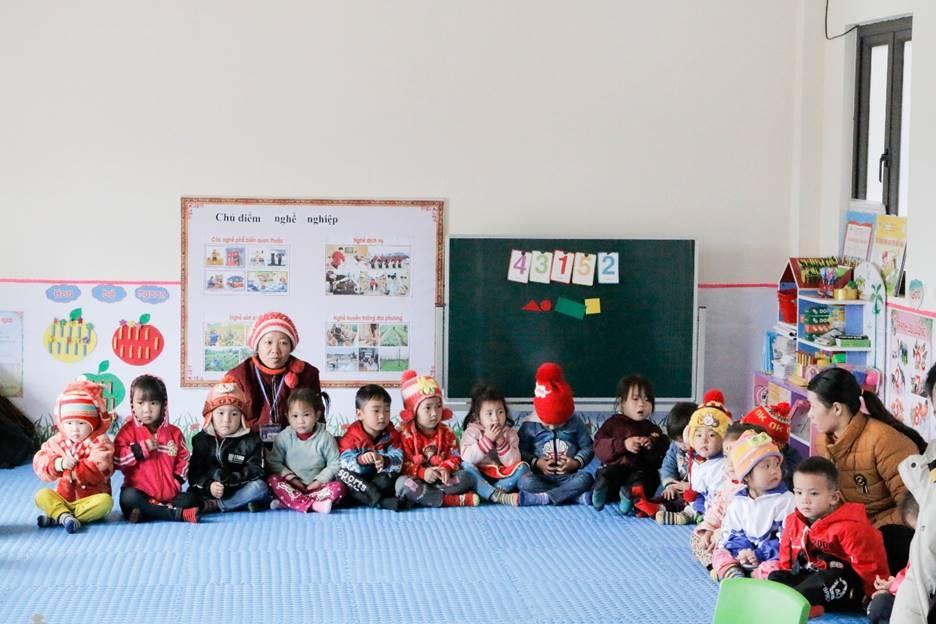 Homevina Group: Chắp cánh ước mơ đến trường cho các em nhỏ vùng cao ở Bắc Kạn