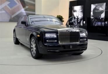 Tìm hiểu bí quyết Rolls-Royce bán xe siêu sang