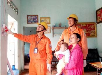 Khi 99,26% dân số nông thôn được sử dụng điện