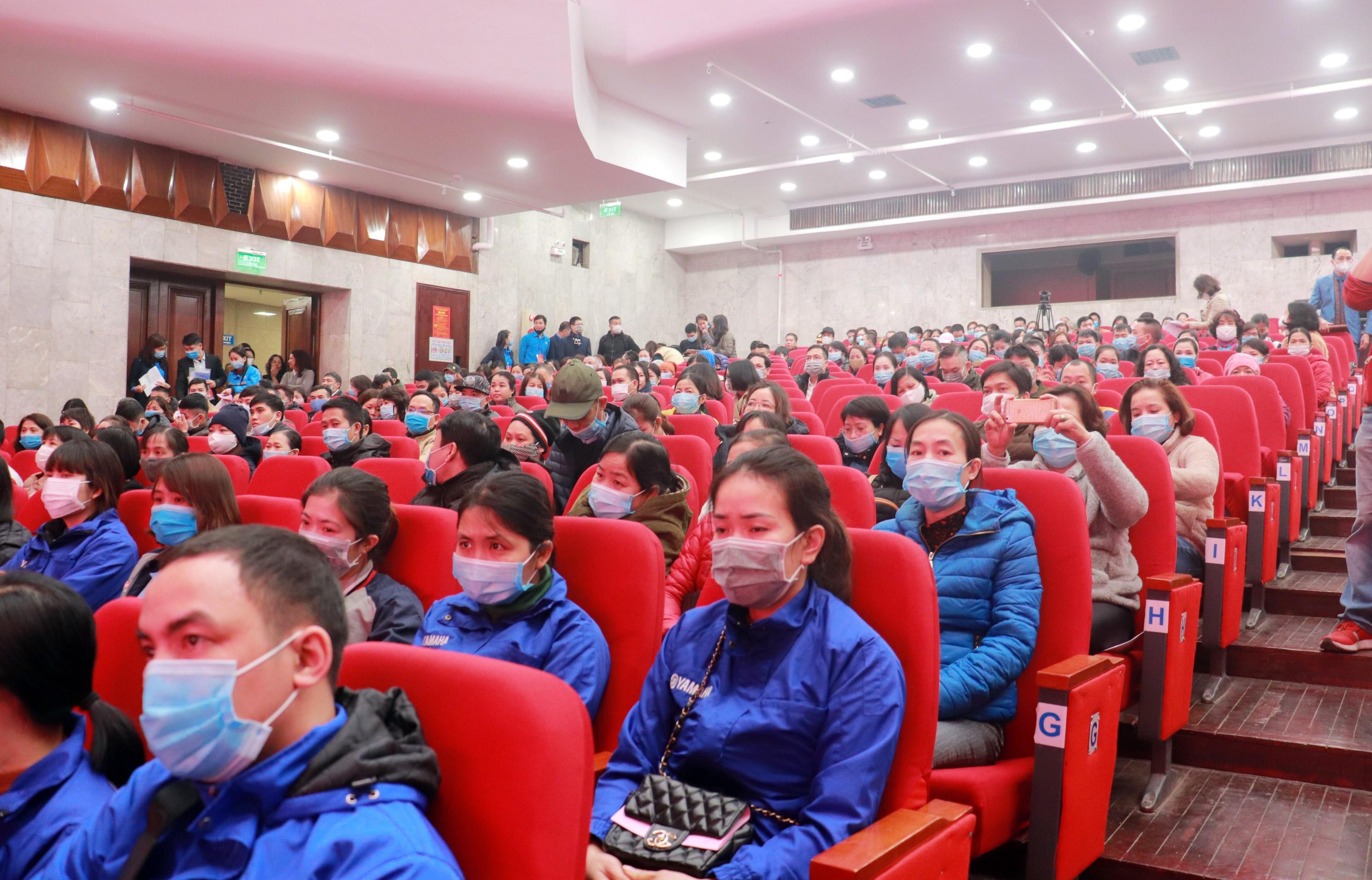 Trực tuyến hình ảnh: Ấm áp nghĩa tình Tết sum vầy của công nhân lao động Thủ đô