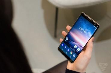 Ảnh thiết kế tuyệt đẹp của Nokia 8 Sirocco mạnh mẽ nhất hiện nay