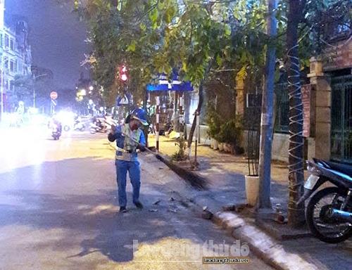 """Những """"chiến sỹ"""" thầm lặng giữ phố phường sạch đẹp chào đón năm mới"""