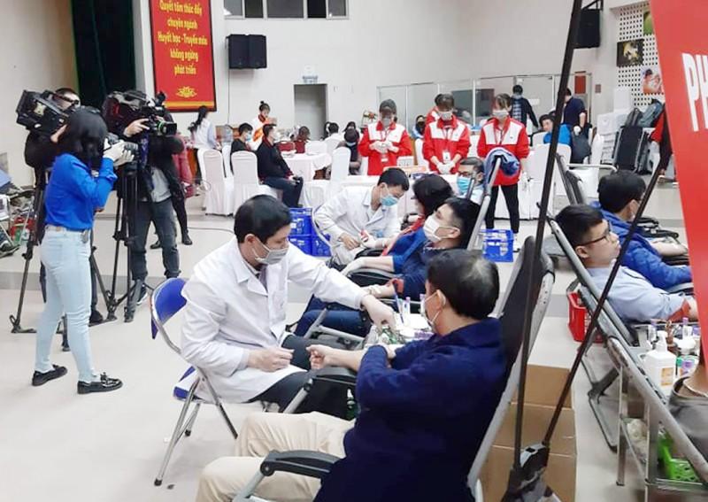 Sẻ chia giọt máu cứu người