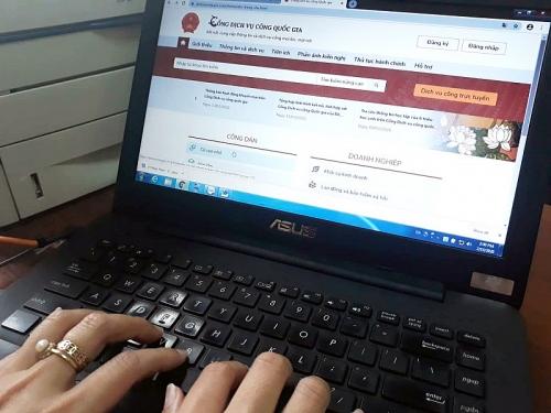 Miễn, giảm phí dịch vụ thanh toán trực tuyến