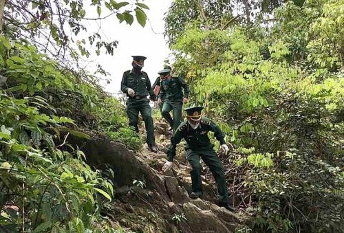 Chuyện cảm động của những chiến sĩ quân hàm xanh