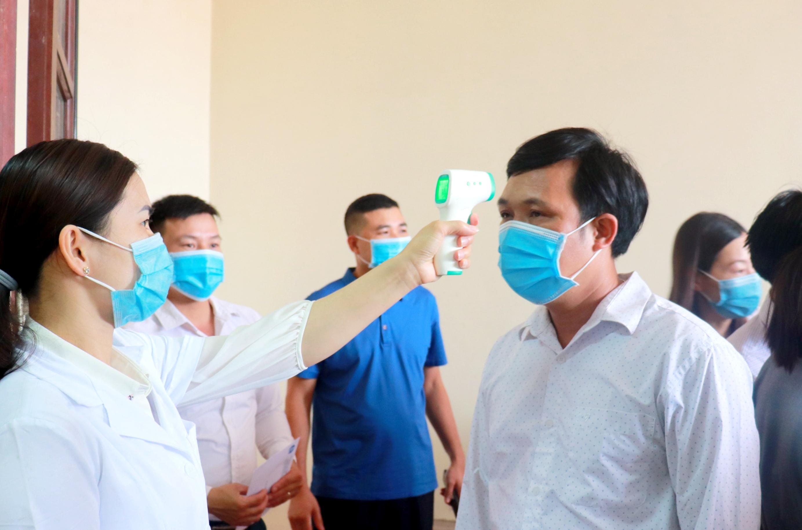Tăng cường kiểm tra, giám sát các biện pháp phòng chống dịch bệnh tại nơi làm việc