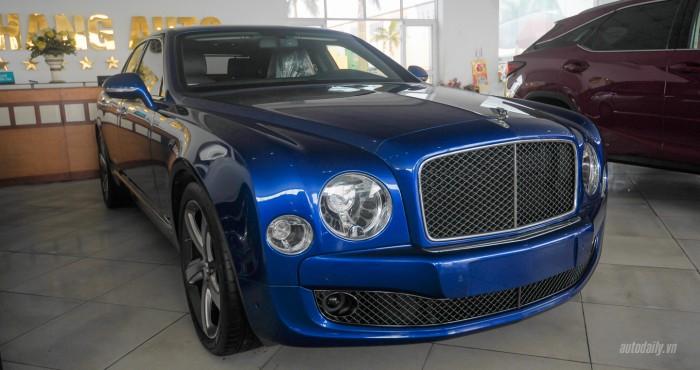 Cận cảnh Bentley Mulsanne Speed 2015 màu độc nhất Việt Nam