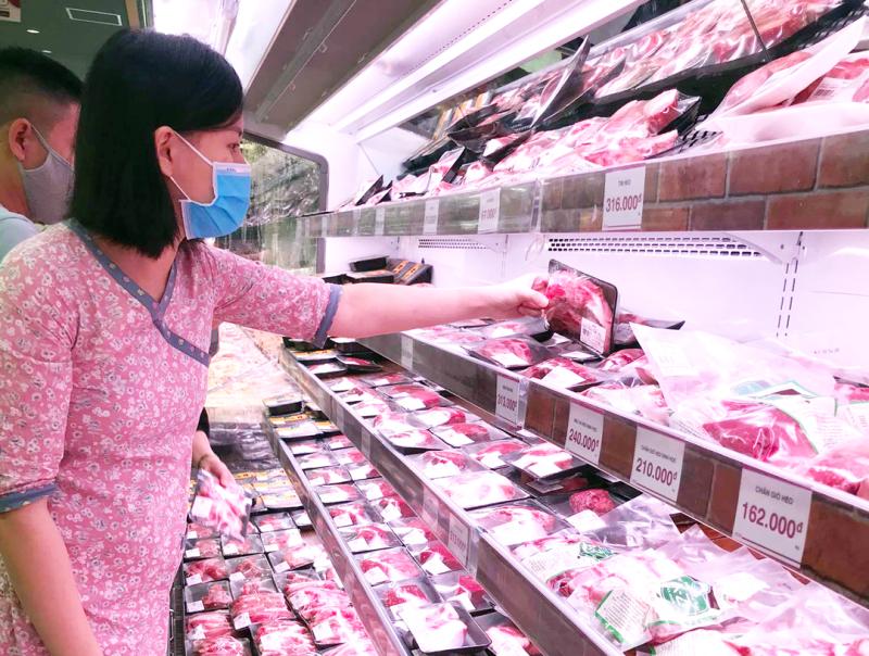 """""""Thả ga"""" nhập khẩu, giá thịt lợn vẫn không giảm, vì sao?"""