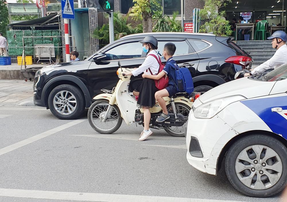 Người điều khiển xe mô tô có dung tích dưới 50cm3 phải có bằng lái xe: Cần lộ trình thích hợp