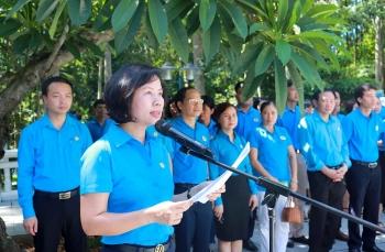 Công nhân giỏi Thủ đô năm 2020  báo công dâng Bác