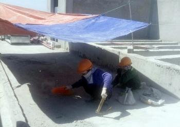 """Chủ động """"chống nắng"""" cho công nhân lao động"""