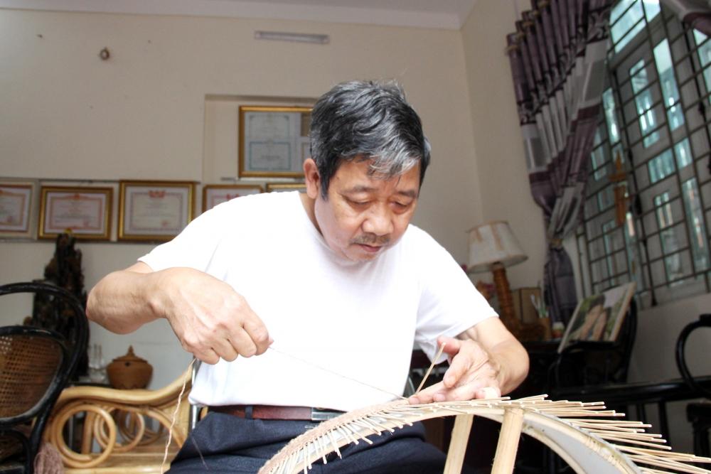 Người giữ hồn cho nghề mây tre đan
