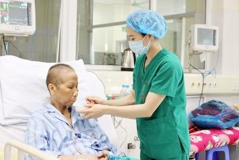Chuyện nữ điều dưỡng chăm sóc bệnh nhân mắc Covid-19
