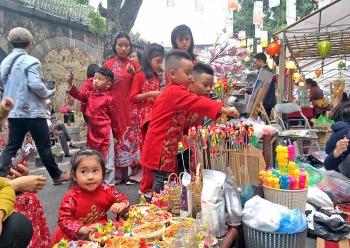 Kỳ 2: Giữ gìn văn hóa dân gian trong lòng phố thị