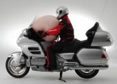 Honda thử nghiệm loại túi khí dành riêng cho xe máy