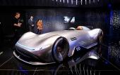 Mercedes: Mũi tên bạc EQ Silver Arrow đạt tốc độ lên đến 432,7 km/h