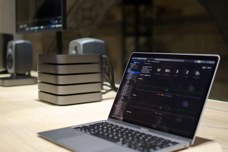 apple mac mini 2018 hoan toan khac voi nguoi tien nhiem gia len den 4200 usd