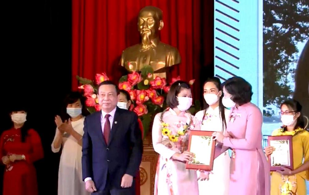 Gương sáng phụ nữ Thủ đô